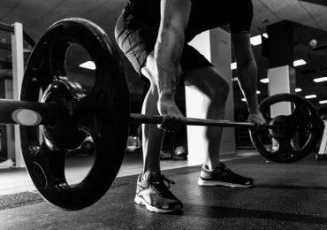 Martwy ciąg – doskonałe ćwiczenie na plecy
