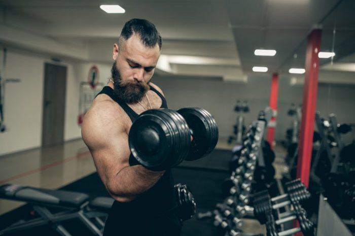 Boostery testosteronu – czym są i czy warto je przyjmować?