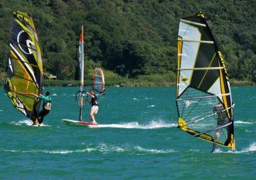Nauka windsurfingu – jeszcze nie jest za późno.
