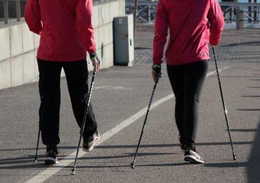 Kijki do nordic walking – jakie korzyści przynosi ten sport?