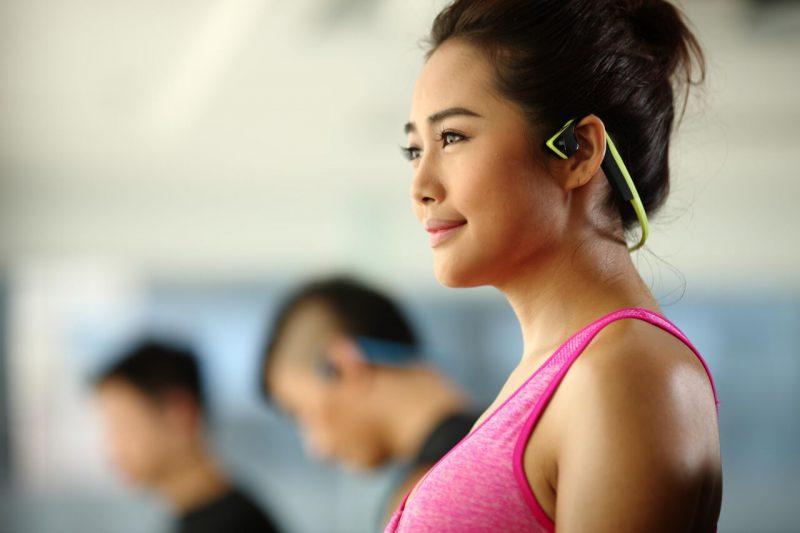 nowoczesne słuchawki sportowe