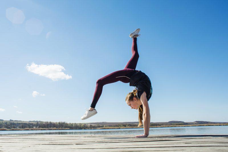 Kółka gimnastyczne wykorzystane w holistycznym dbaniu o ciało