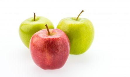 trzy jabłka