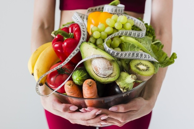 Dieta 1000 kcal – na czym polega? Efekty diety oraz tygodniowy jadłospis
