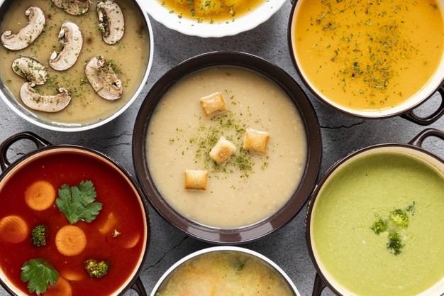 Dieta zupowa – na czym polega i jakie ma zasady? Efekty oraz przykładowe przepisy