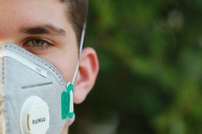 Jak wybrać dobrą maskę antysmogową?