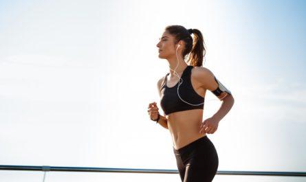 kobieta uprawa jogging