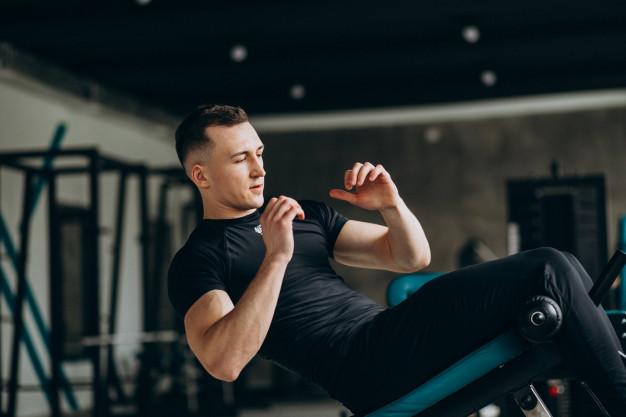10 najlepszych i prostych ćwiczeń na mięśnie brzucha