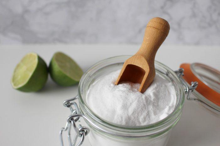 Soda oczyszczona na odchudzanie – efekty, skutki uboczne i sposób przyjmowania