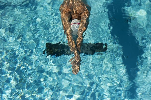 Pływanie a odchudzanie – ile kalorii można spalić pływając?