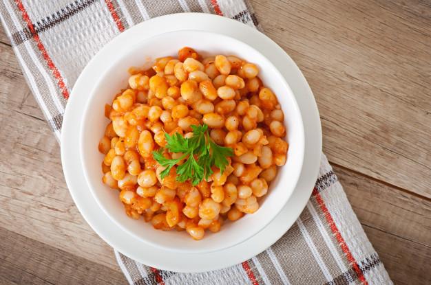 Ile kalorii ma fasolka po bretońsku? Wartości odżywcze i przydatność w diecie