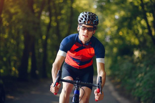Ile kalorii spalamy jeżdżąc na rowerze?