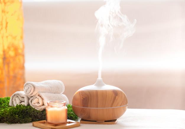 Aromaterapia olejkami eterycznymi – jak to wygląda w praktyce?