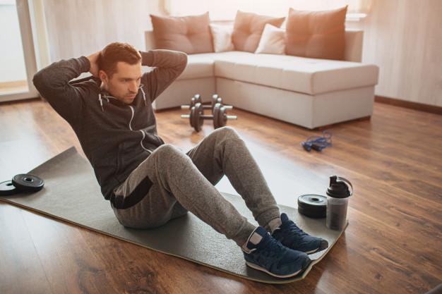 Ćwiczenia na brzuch dla początkujących – TOP 10 ćwiczeń dla amatora