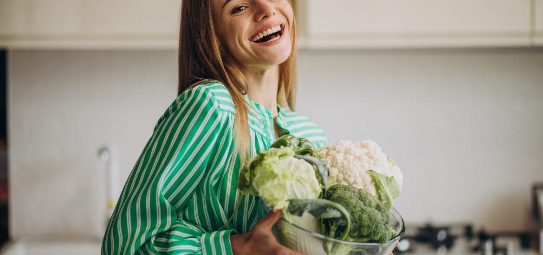 Dieta wegetariańska – na czym polega? Zasady wegetarianizmu i jadłospis na tydzień