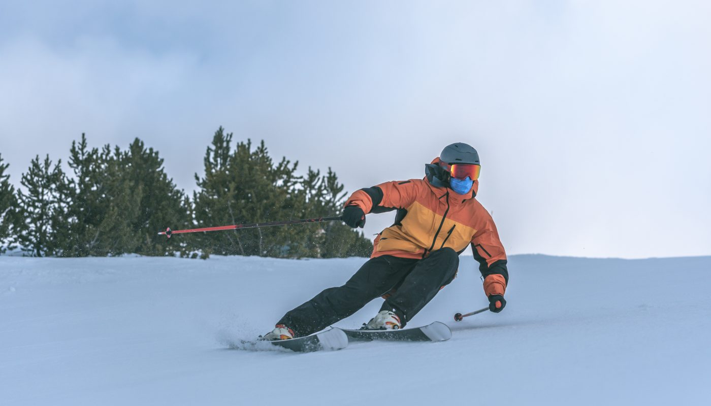 slalom na nartach